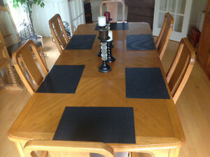 Oak Dining Room Table & China Cabinet