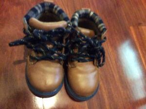Brown Oshkosh boys boots