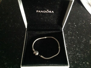 Pandora bracelet Stratford Kitchener Area image 1