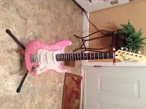 Hello Kitty Electric Guitar Peterborough Peterborough Area image 2