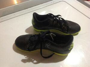 Soccer Shoes Boys Size 1