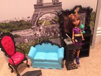 cafe with doll monster high