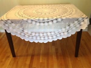 Italian crochet table cloth