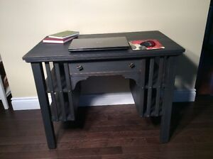 Vintage Mission Solid Oak compact desk