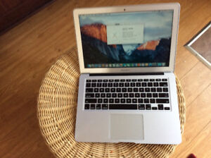 MacBook Air core i5 1.8GHZ/128 SSD/ 4GB RAM model 2014