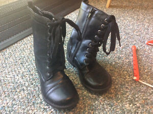 Joe Fresh Size 10 Boot