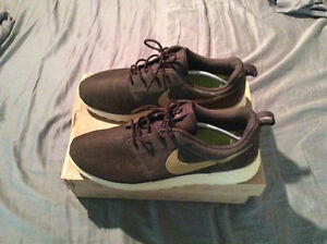 Nike Roshe Run (slightly used) Leather Upper $65.00