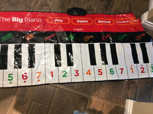 Piano to walk on