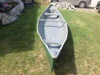 16 foot fiberglass fishing and hunting canoe no leaks