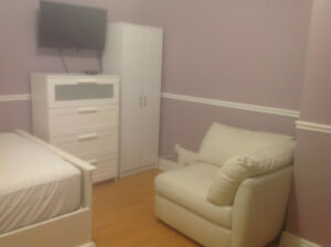 ROOM 4 FEMALE FAMILY HOME YONGE & SHEPPARD SEPT 1