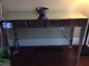 Beautiful mirrored sofa table - perfect condition