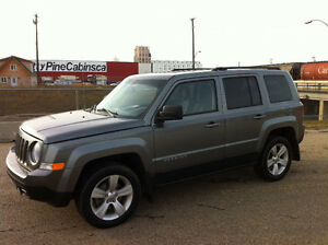 2013 JEEP PARIOT 4X4, ONE YEAR WARRANTY, IMMACULATE SHAPE!!