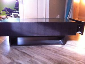 Meuble de TV avec tiroirs