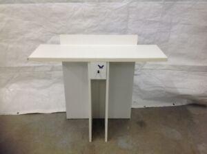 Table décorative blanche