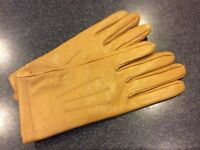Ladies leather gloves (small)