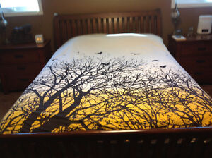 Queen Urban Barn Duvet, great condition