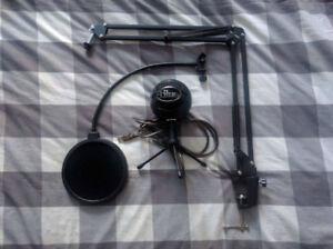 Blue Snowball Microphone with Scissor Arm Stand and Pop Filter