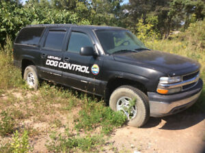 2004 Chevrolet Suburban 4x4 5.3 V8 yard truck no MVI as is $1800