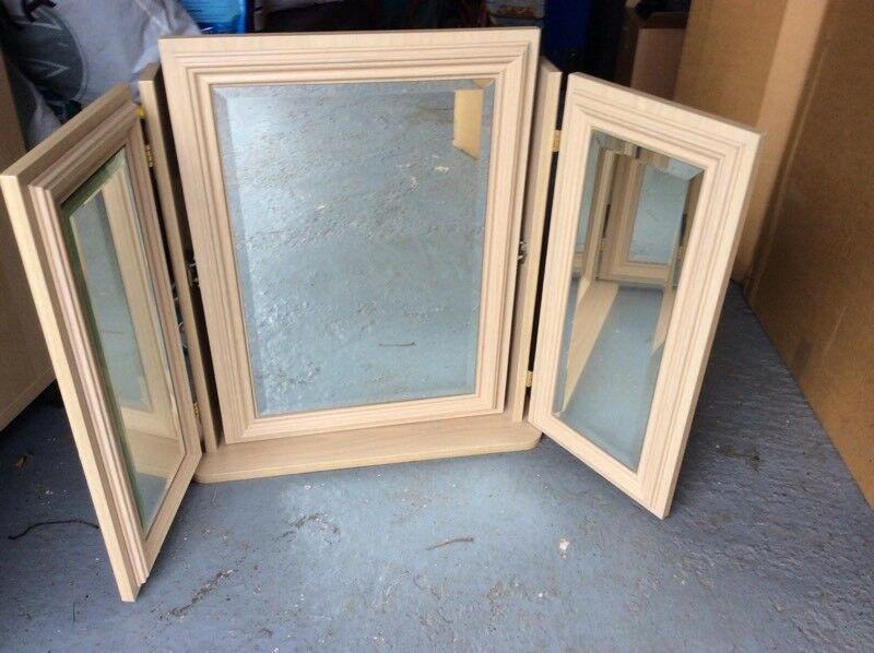 Large folding 3 mirror. VGC. Limed oak. Bought for £100