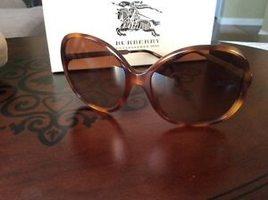 Burberry sun glasses Cambridge Kitchener Area image 3