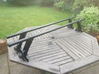Thule roof bars, 150cm, for vehicle with gutter, £15 only.