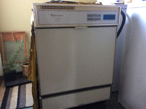 Whirlpool dishwasher excellent condition $50 ono