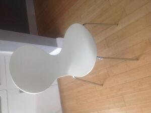 6 white modern chairs