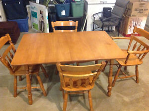 Farm style table and chairs. Solid wood! Complete set.