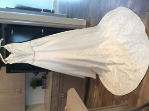 Jasmine Couture Wedding Gown size 14