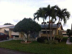 À louer, vrai maison rénovée avec garage, 2 chambres, 1 sb