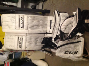 "CCM Extreme Flex Pro Series 34 1 1/2"" Pads + 2 sets of Gloves"
