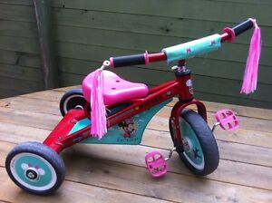 Minnie Mouse Flying High trike