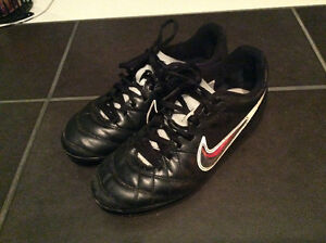 Nike soccer shoes, size 4