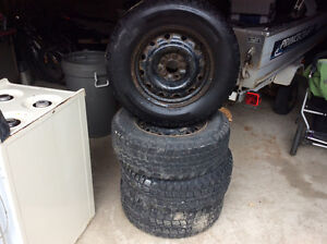 235/70/16 winter tire off of a Ford escape