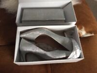 Beautiful mother of the bride shoes size 6/6.5