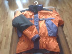 Vêtement  pour le ski alpin ou pour aller dehors