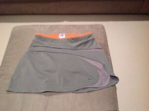 Adidas Tennis top and skirt - almost new Thornbury Darebin Area Preview