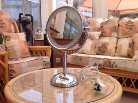Revlon make up mirror in excellent condition