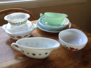 Vintage 1960's JAJ Pyrex- various patterns, pieces