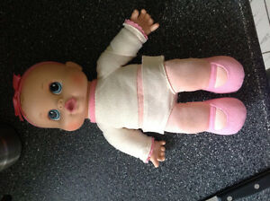 Cooing and giggling baby doll girls toys baby alive toddler