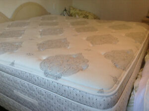 KING Sealy Posturepedic Mattress.    (ONLY)