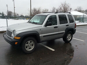 2006 JEEP LIBERTY 4X4 - TURBO DIESEL CRD - SUPER RARE! West Island Greater Montréal image 4