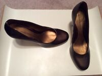 Sz 7.5 Arturo Chiang copper patent heels with box