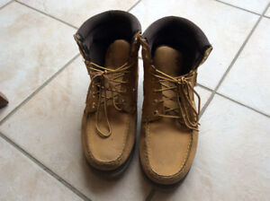 Timberland shoes for boys size8