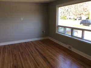Main floor renovated 3-bedroom apartment in East end Barrie