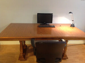 Large kitchen table in excellent condition (must sell)