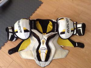 Bauer Total One Shoulder pads