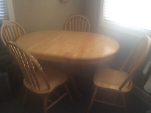 Table with self storing leaf and 4 chairs $100 obo