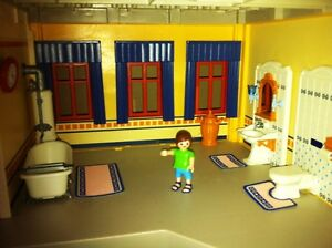 Playmobil Victorian Mansion - with furniture and poeple West Island Greater Montréal image 4