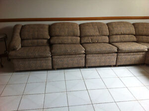 8 pieces sectional couch Windsor Region Ontario image 2
